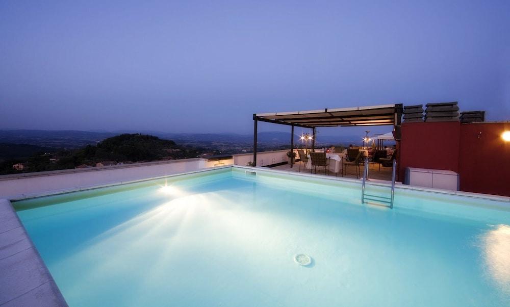 Perusia Hotel, Featured Image