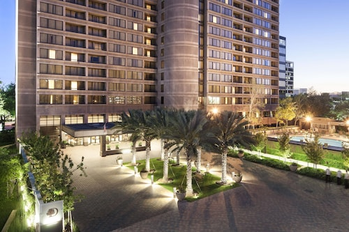 . DoubleTree by Hilton Hotel & Suites Houston by the Galleria