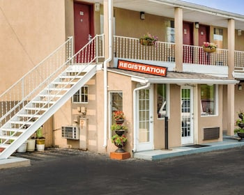 Hotel - Econo Lodge Franklin