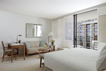 Room, Partial Ocean View