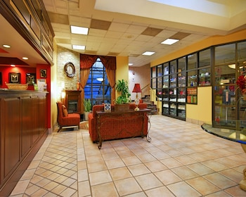 Interior Entrance at Comfort Inn University Center in Fairfax