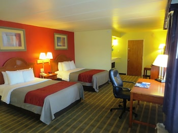 Standard Room with 2 Double Beds - Non-Smoking