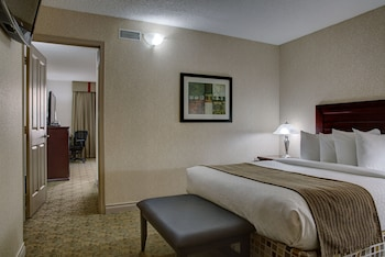 Suite, 2 Queen Beds, Non Smoking, Refrigerator