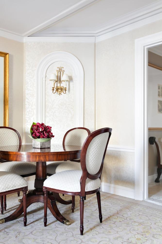 더 피어, 타지 호텔, 뉴욕(The Pierre, A Taj Hotel, New York) Hotel Image 49 - In-Room Dining