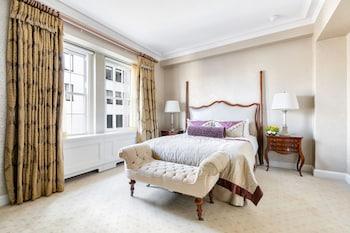 2 Bedroom Suite Manhattan View King Bed