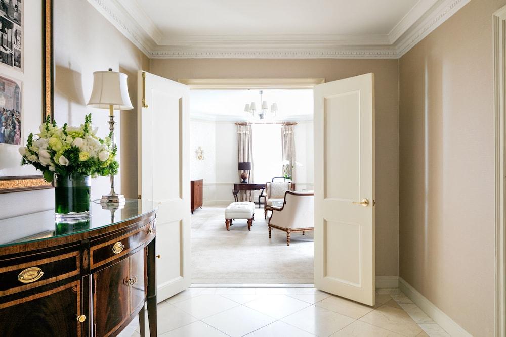 더 피어, 타지 호텔, 뉴욕(The Pierre, A Taj Hotel, New York) Hotel Image 55 - Living Area