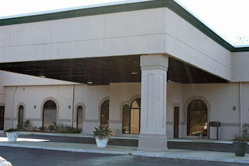 Hotel Entrance at Cottonwood Suites Savannah Hotel & Conference Center in Pooler
