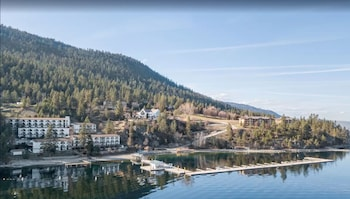 Hotel - Cozystay Signature: Lake Okanagan Resort