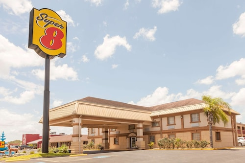 . Super 8 by Wyndham Kingsville