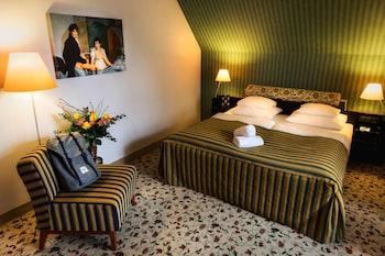 Classic Double Room, 1 Queen Bed (Bidermeier)