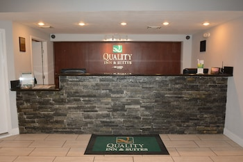 Reception at Quality Inn & Suites North Richland Hills in North Richland Hills