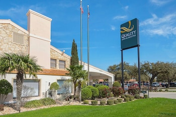 Hotel - Quality Inn & Suites North Richland Hills