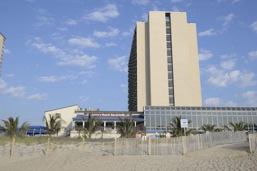 __{offers.Best_flights}__ Clarion Resort Fontainebleau Hotel - Oceanfront