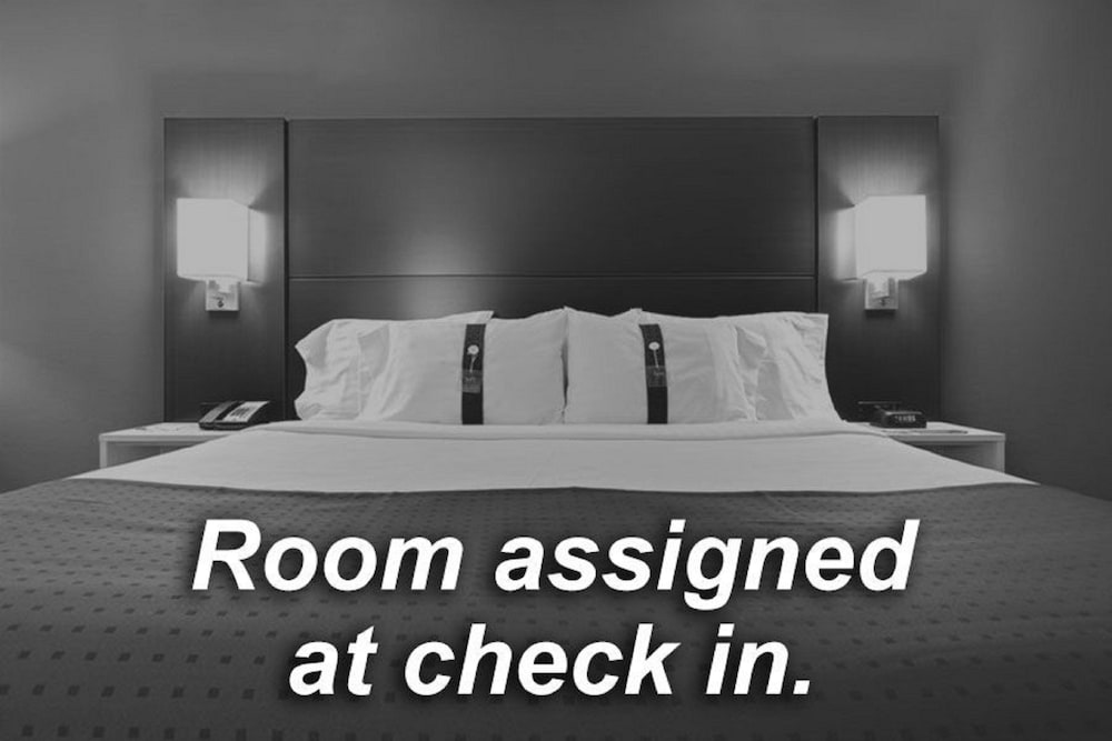 Deluxe Room, 1 King Bed, Accessible, Non Smoking (Roll-In Shower)