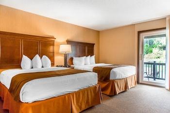 Lakeside Deluxe Room, 2 Queen Beds