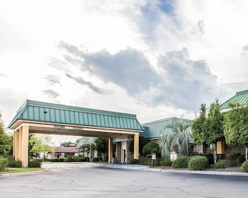 Hotel - Econo Lodge Near Fort Stewart