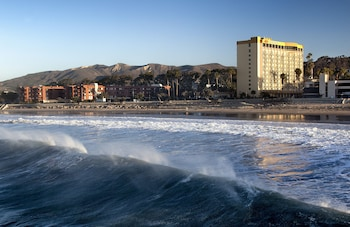 Hotel - Crowne Plaza Ventura Beach