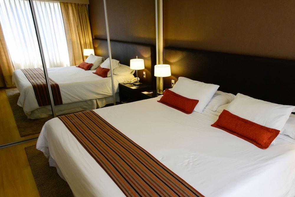 https://i.travelapi.com/hotels/1000000/30000/20500/20496/430ee250_z.jpg