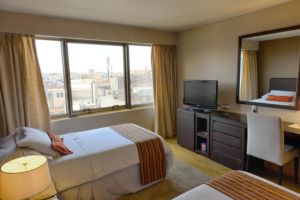 https://i.travelapi.com/hotels/1000000/30000/20500/20496/96cc6938_z.jpg