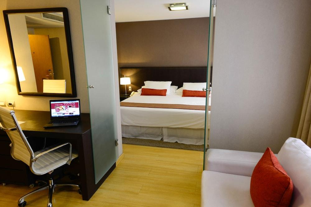 https://i.travelapi.com/hotels/1000000/30000/20500/20496/b124c399_z.jpg