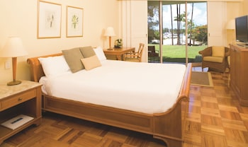 Guestroom at InterContinental Sanctuary Cove Resort in Hope Island