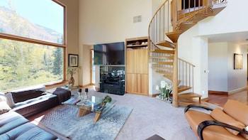 Luxury Condo, 4 Bedrooms (Platinum)