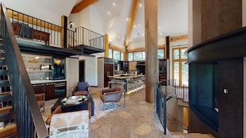Luxury House, 6 Bedrooms (Platinum)