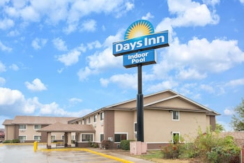 Days Inn by Wyndham Topeka
