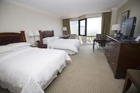Executive Room, 2 Double Beds, Executive Level (Universal)
