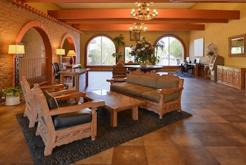 Lobby Sitting Area at Best Western Airport Inn in Phoenix