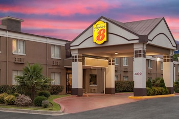 Hotel - Super 8 by Wyndham Grand Prairie North