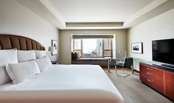 Room, 1 King Bed (Water Tower View)