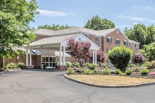 Comfort Inn, Cuyahoga