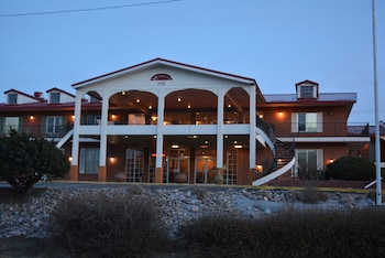 Trinidad Inn Suites