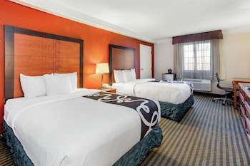 Deluxe Room, Multiple Beds, Non Smoking (Deluxe Family Room)
