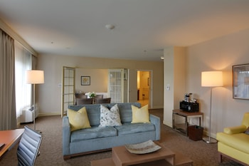 Presidential Suite, 1 King Bed with Sofa bed
