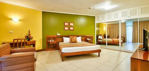 Tanoa International Hotel, Ba