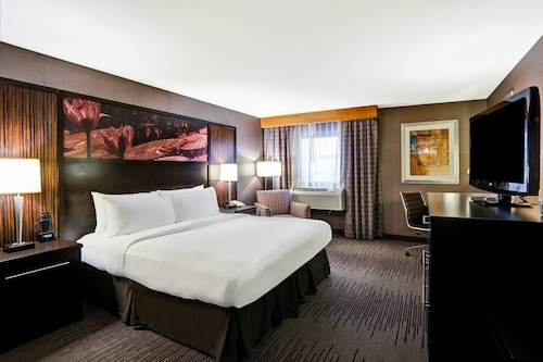 . DoubleTree by Hilton Downtown Wilmington - Legal District