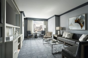 Suite, 1 King Bed, Terrace