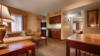 Suite, Multiple Beds, Non Smoking, Fireplace (with Sofabed)