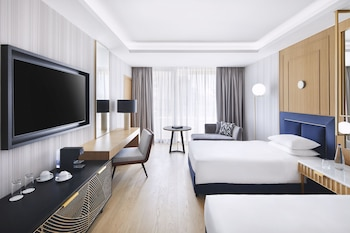 Deluxe Room, 2 Twin Beds (Acropolis View)
