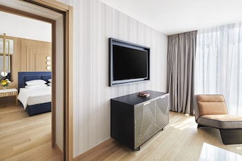 Grand Suite, 1 King Bed (Acropolis View)