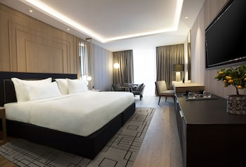 Grand Suite, 1 King Bed (Executive, Acropolis View)