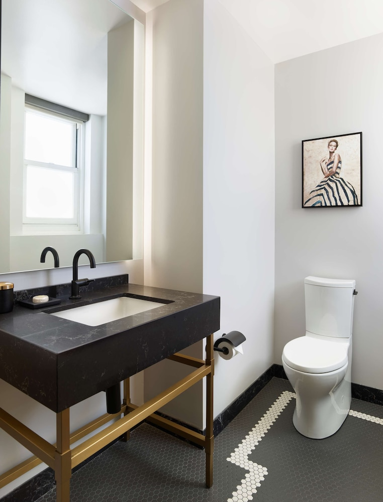 Room (Private Apartment)