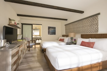 Deluxe Room, 2 Double Beds (Courtyard)