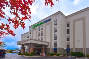 Hotel - Holiday Inn Express Fayetteville- Univ of AR Area