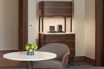 Suite, 1 Bedroom (High Floor)