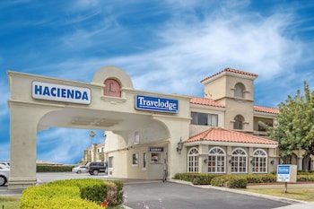 Hotel - Travelodge by Wyndham Costa Mesa Newport Beach Hacienda