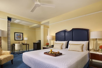 Standard Room, 1 King Bed (Colonial King)
