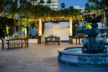 Fountain at Town and Country San Diego in San Diego